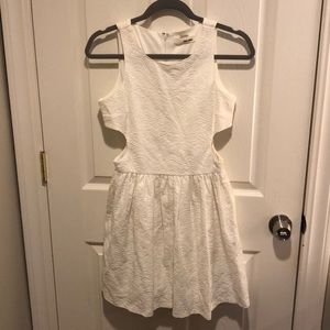 Sans Souchi White Knee Length Dress